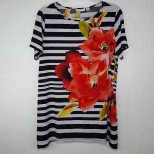 SUSAN GRAVER Black & White Floral Top, size L